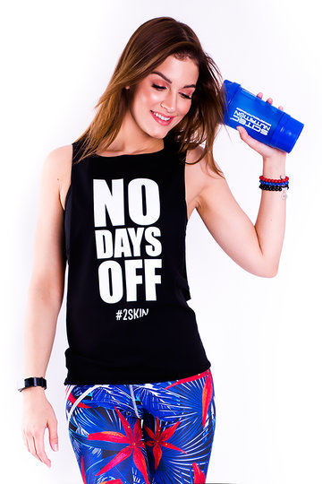 ../media/Produkty/BLUZKI_BEZ_REKAWOW/NO-DAYS-OFF/BLACK/no-days-off-m5048.jpg